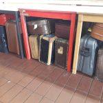 """nur ein """"paar"""" Koffer :D"""